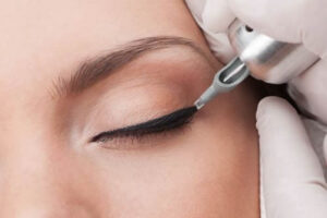 Mikropigmentace očních víček